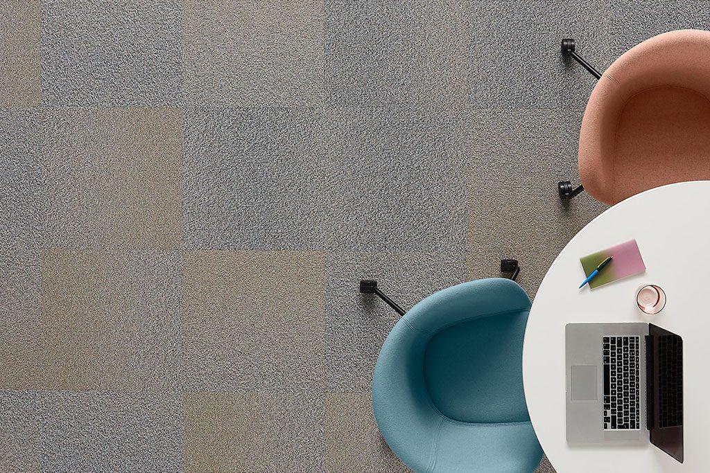 suelos de moqueta en losetas para oficinas