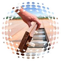 tarima de exterior de madera fácil de instalar